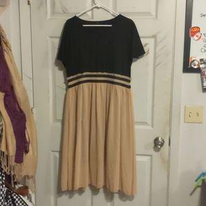 Dresses & Skirts - Elastic waist dress